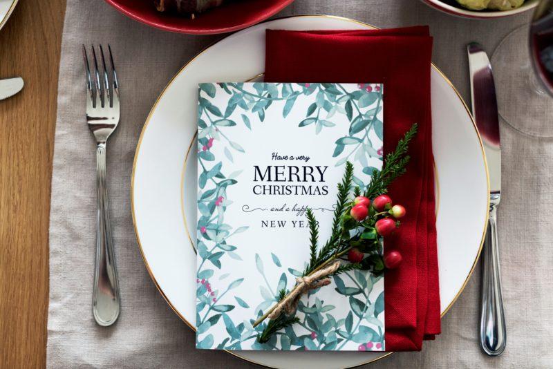 christmas+dinner+table+card+setting