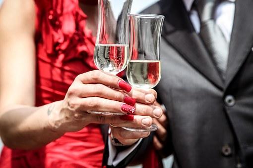 couple+wine+toast